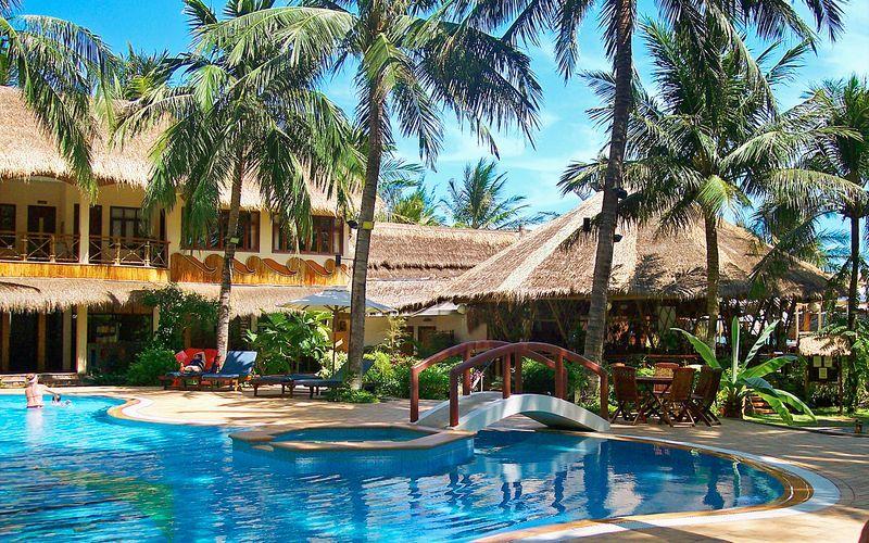 Poolområdet på Bamboo Village Resort, Vietnam.