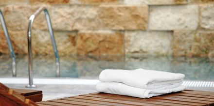 Indendørspoolen på hotel Allegro Ponent Playa i Cala d'Or, Mallorca.