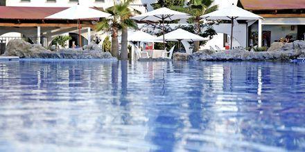 Poolområdet på hotel Allegro Ponent Playa i Cala d'Or, Mallorca.