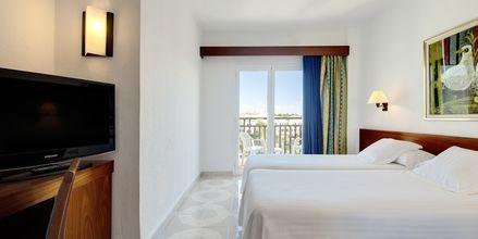 Dobbeltværelse på hotel Allegro Ponent Playa i Cala d'Or, Mallorca.