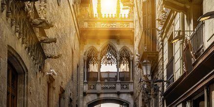 Smalle stræder og mægtige bygninger i de gotiske kvarterer