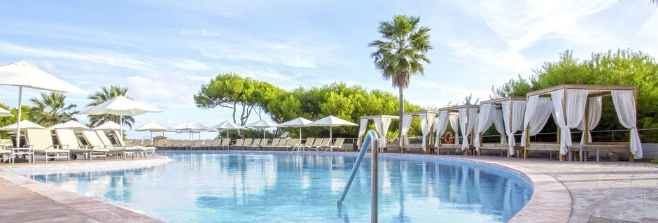 Poolområdet på Hotel Be Live Collection Palace de Muro på Mallorca.