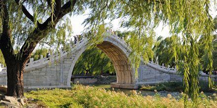 Sommerpaladset, eller Yiheyuan, er et slot med en park på 2,9 km2.