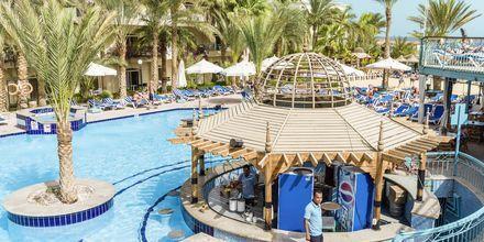Pool med poolbar på hotel Bella Vista i Hurghada, Egypten