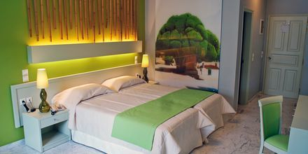 Superior-værelse på Hotel Bourtzi på Skiathos, Grækenland.
