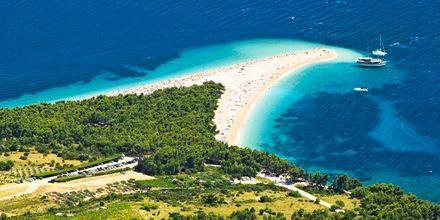 Zlatni Rat-stranden i Bol, Brac, Kroatien.