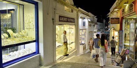 Fira på Santorini i Grækenland.