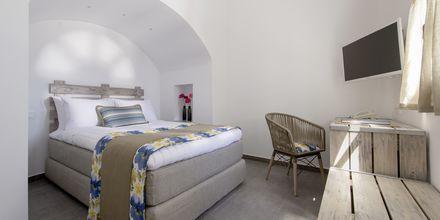 2-værelses suite på Caldera's Dolphin Suites på Santorini, Grækenland.