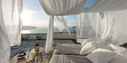 Solterrassen på Caldera's Dolphin Suites på Santorini, Grækenland.
