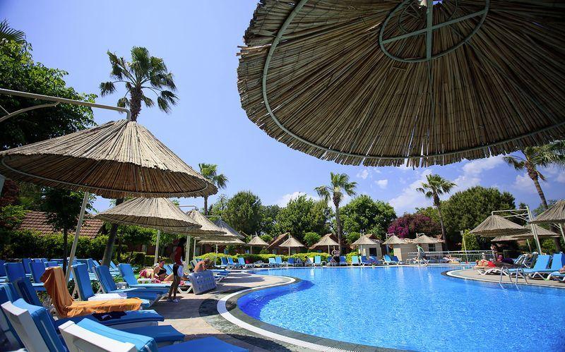 Poolområdet på hotel Can Garden i Sid, Tyrkiet