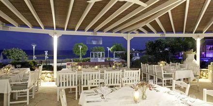 Den cypriotiske restaurant Mamas på hotel Capo Bay i Fig Tree Bay, Cypern