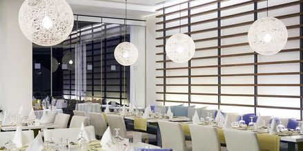 Buffetrestauranten Elea på hotel Capo Bay i Fig Tree Bay, Cypern