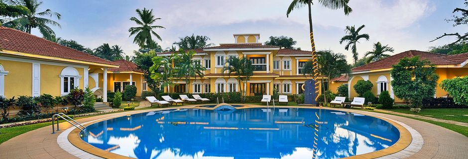 Poolen for suiter på Casa de Goa, Goa i Indien.