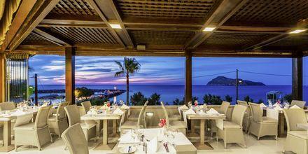 Restaurant på Hotel Porto Platanias Beach & Spa på Kreta, Grækenland.