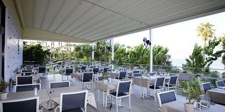 Hotel Cavo Maris Beach i Fig Tree Bay, Cypern.