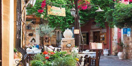 Skønne Chania by på Kreta, Grækenland.