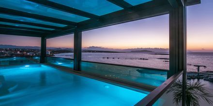 Pool på Hotel Chania Flair på Kreta, Grækenland.