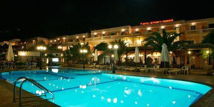 Poolområde på Hotel Chrithonis Paradise på Leros, Grækenland.