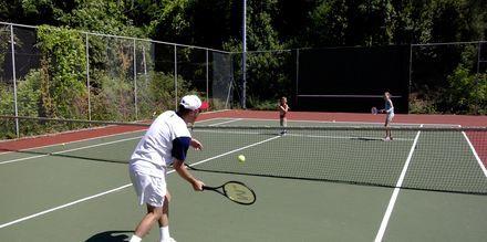 Tennis på Corfu Holiday Palace Kanoni, Korfu