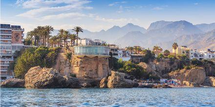 Nerja er en hyggelig by, ca. 1 time fra Malaga. Her er Balcón de Europa, et ægte landemærke i byen.