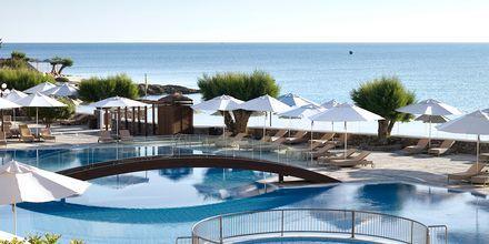 Poolområde på Hotel Creta Maris Beach Resort på Kreta, Grækenland.