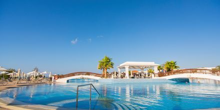 Poolområde på Hotel Creta Princess Aquapark & Spa på Kreta, Grækenland.