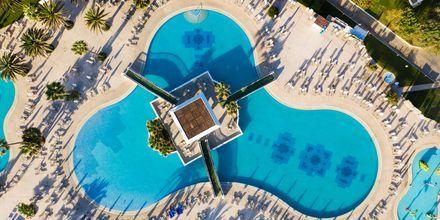 Poolområdet på Hotel Creta Princess Aquapark & Spa på Kreta, Grækenland.