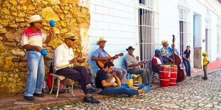 Gademusikanter i Trinidad på Cuba.