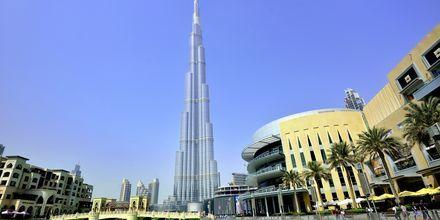 Burj Khalifa, verdens højeste bygning, og Dubao Mall som ligger i Dubai Downtown ca. 20 km fra Barsha Heights.