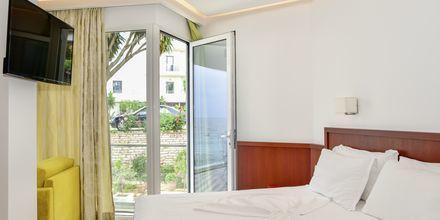 Junior-suite på Hotel Delfini i Saranda i Albanien.