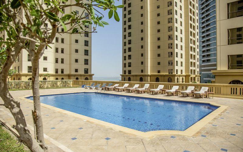 Pool på Delta by Marriott Jumeirah Beach i Dubai, De Forenede Arabiske Emirater.