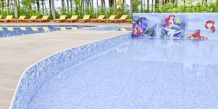 Pool på Diamma Resort, Durres Riviera i Albanien.
