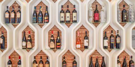 Albanske vine på restauranten på Diamma Resort, Durres Riviera i Albanien.