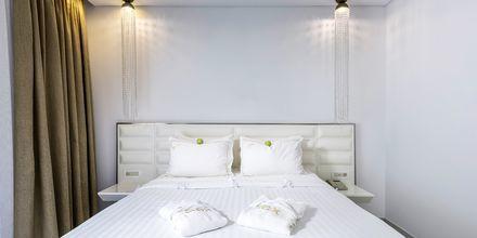 Dobbeltværelse på Hotel Diamond Deluxe Hotel & Spa i Lambi på Kos, Grækenland.