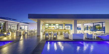 Poolbar på Hotel Diamond Deluxe Hotel & Spa i Lambi på Kos, Grækenland.