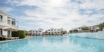 Poolområdet på Hotel Diamond Deluxe Hotel & Spa i Lambi på Kos, Grækenland.