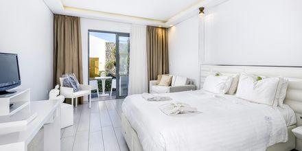 Superior-værelse på Hotel Diamond Deluxe Hotel & Spa i Lambi på Kos, Grækenland.