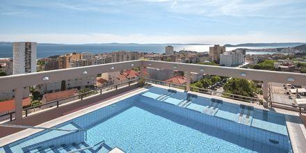 Tagpool på Dioklecijan Hotel & Residence, Split, Kroatien.