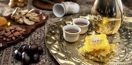 Lækkerier og te i Doha.