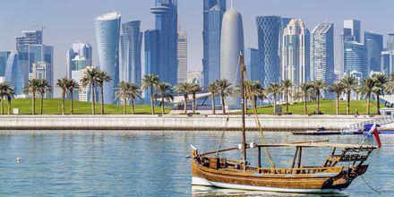 Traditionel Dhow, en typisk træbåd i Mellemøsten.