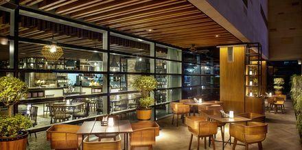 Buffetrestauranten My Square på Doubletree by Hilton Business Bay