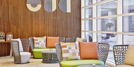 Oud Loungebar på Hotel Doubletree by Hilton Business Bay, Dubai.