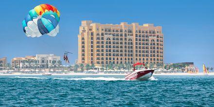 Vandsports faciliteter ved Hilton Marjan Island i Ras al Khaimah, De Forenede Arabiske Emirater.
