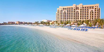Stranden ved hotel Doubletree by Hilton Marjan Island i Ras al Khaimah, De Forenede Arabiske Emirater.
