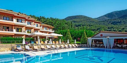 Pool på Dracos Hotel i Parga, Grækenland