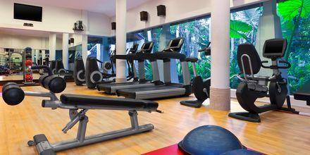Fitnessfaciliteter på Hotel Dusit Thani Beach Resort i Klong Muang på Krabi, Thailand.