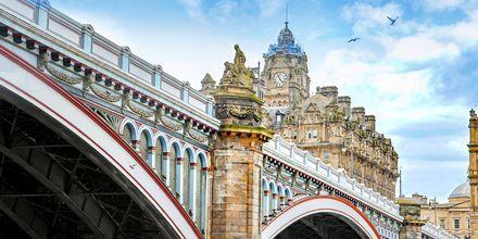 North Bridge i Edinburgh, der forbinder den nye og gamle by.