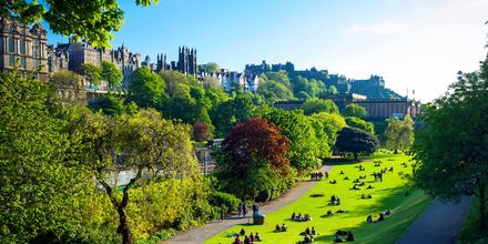 Park mellem Edinburghs nye og gamle by.