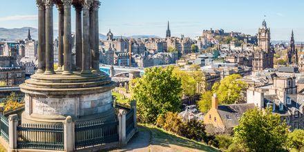 Der findes mange gode udsigtssteder i Edinburgh, her er Calton Hill.