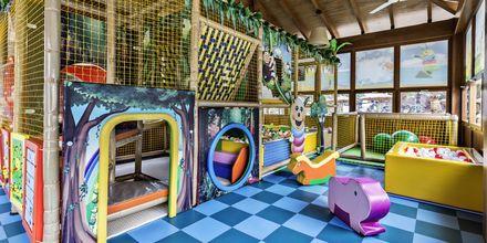 Miniklub på Elba Lanzarote Royal Village Resort, Lanzarote.